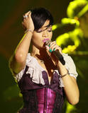 http://img213.imagevenue.com/loc387/th_37362_Celebutopia-Rihanna_performs_live_for_her_Believe_Charity_in_San_Francisco-02_122_387lo.jpg