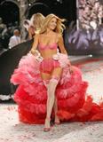 th_12735_Victoria_Secret_Celebrity_City_2008_FS_5168_123_437lo.jpg