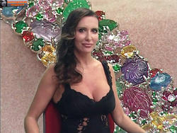 [IMG]http://img213.imagevenue.com/loc674/th_736600531_tduid300077_Joanna_Golabek_fuorionda_19_ottobre_201410_122_674lo.jpg[/IMG]