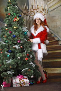 http://img213.imagevenue.com/loc764/th_531161362_silver_angels_Sandrinya_I_Christmas_1_031_123_764lo.jpg