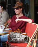 http://img213.imagevenue.com/loc894/th_31646_Katherine_Heigl_having_lunch_at_Figaro_Cafein_Los_Feliz_March052010_010_122_894lo.jpg