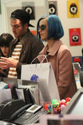 Кэти Перри, фото 8280. Katy Perry shopping in Paris, march 6, foto 8280